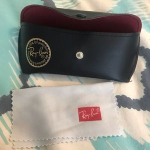 Ray ban case and cleaning cloth